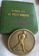 MED5629 - MEDAILLE JOURNAL LE PETIT PARISIEN - COURSE A PIED par FRAISSE