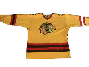 Chicago Blackhawks Jersey Starter Mens Medium M Yellow vintage NHL men black haw