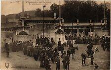 CPA LYON Inauguration de l'Exposition. En attendant le cortége. (442212)