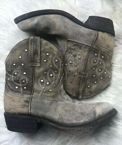 Miz Mooz Cozumel Taupe Brown Leather Studded Ankle Cowboy Boots Women's Size 6