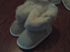 NWT Carters infant girls boots cream knit and faux fur boots size 9-12 month