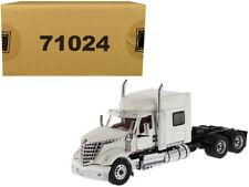 International LoneStar Sleeper Cab Truck Tractor White 1/50 Diecast Model by Die