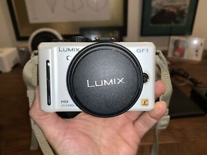 Panasonic LUMIX DMC-GF1 WHITE RARE w 20 & 14-42 Lens