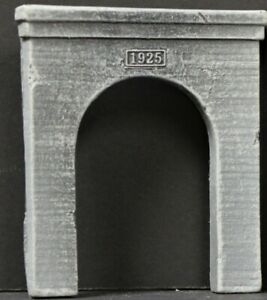 """4167G Single Track Tunnel Portal HO Scale""""1925""""Antique Concrete Finely Detailed"""