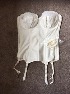 Ladies Cream basque 34B /Suspenders Wedding Never Worn from Silhouette