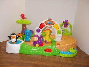 Fisher Price Amazing Animals Spinning Around Zoo  Music Lights Motion + Animals