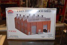 N Model Power 490-1550 * Twin Diesel Loco Shed * NIB