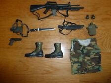 Hot Toys Predator 1/6 Major Alan 'Dutch' Schaefer billy accesories weapons kit