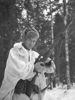 WWII photo Finnish soldier with Mosin's rifle after the Battle of Suomussalmi 8x