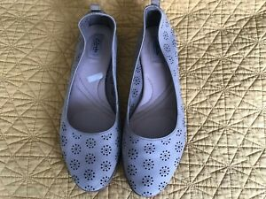 Ladies Clarks Flat Pumps grey 7