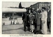 """Weibliche Gäste an Bord des Panzerkreuzers """"Emden"""" in Stettin von 1926"""