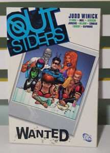OUTSIDERS - WANTED! DC UNIVERSE GRAPHIC NOVEL / COMIC BOOK!