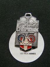 A0214 - Médaille CHAMONIX Club Alpin Guide Ski aluminium peint 1945