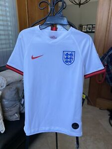 Nike England Breathe Lionesses Boy Girl soccer Jersey white Size S Or M $75