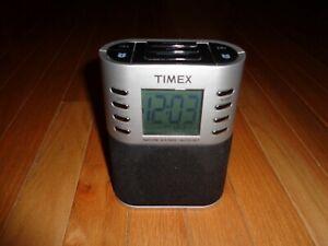 Timex T307S Nature Sounds AM/FM Radio Alarm Clock 6 Presets Wake Sleep Buzzer