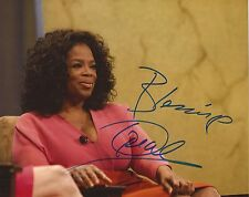 THE OPRAH WINFREY SHOW: OPRAH WINFREY SIGNED 10x8 PORTRAIT PHOTO+COA