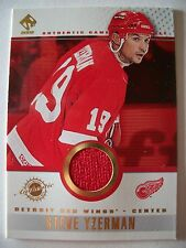 2001-2002 Pacific Private Stock # 45 STEVE YZERMAN , RED WINGS      BOX 52