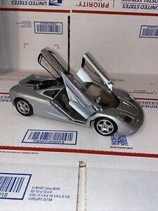 Maisto McLaren F1 1/18 Silver