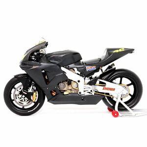 Honda RC211V Rossi Pre Season Testbike 2002 1:12 Minichamps