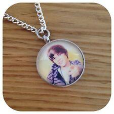 Justin BIEBER collier pendentif pop star x