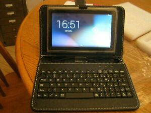 7.0 inch Quad Core Tablet plus a Detachable Bluetooth Keyboard With Touchpad