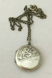 Vintage Sterling Silver Locket & 17 Inch Chain