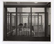 PHOTO ANCIENNE Enfant Bébé Portrait Vers 1930 Crèche Lit à barreaux Sieste
