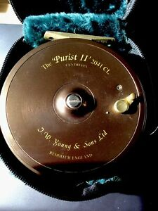 Jw Youngs purist ll Y2041 CL Centre pin reel. No longer made.. Good condition.