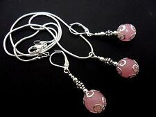 A PRETTY PINK JADE NECKLACE AND LEVERBACK HOOK EARRING SET. NEW.
