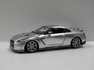 1:18 2009 Nissan GT-R (R35) (Silver) Burago 18-12079
