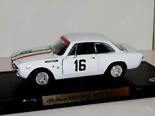 Alfa Romeo 1965 Giulia Sprint Gta Rally ROAD SIGNATURE PEGO 1:18