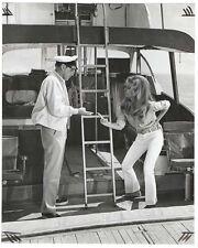 Photo originale de Franck Sinatra et Raquel Welch ( BXL )
