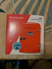 Frigidaire Retro Mini EFMIS129 Mini Refrigerator - Red 6 Cans 4L