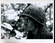 "Charlie Sheen Platoon Original 8x10"" Photo #J1968"