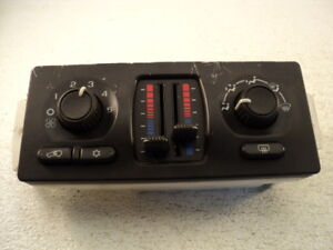 2006 GMC / Chevrolet #7556 Heater Controls / AC
