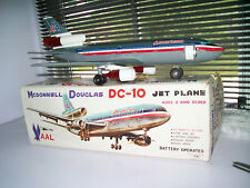 BATTERY OPERATED AMERICAN AIRLINES TIN JAPAN DC-10 AIR PLANE TOY WORKS W/BOX A+