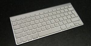 Apple A1314 Mini Wireless English QWERTY UK Layout Silver Keyboard