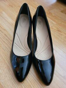 Clarks Calla Rose Ladies Black Patent Leather Court Shoes  Uk 5D US 7.5 M