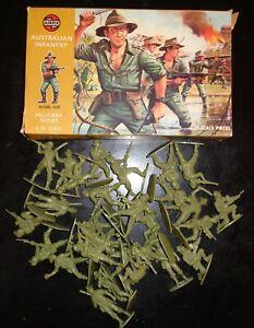 Vintage 1960's? Airfix # 1809 51458-3 1:32 Scale Figures - Australian Infantry