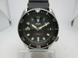 SEIKO 7002-7001 DATE STAINLESS STEEL AUTOMATIC MENS DIVER WATCH