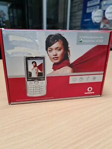 Sony Ericsson K750i - Silver (Vodafone) Mobile Phone Brand New collector's item.