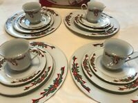 Poinsettias and Ribbons Porcelain Christmas Dinnerware 16 Pieces 4 Sets Vintage