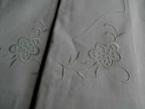 2 Kissen Baumwolle Stickerei Leinenknöpfe ..NEU