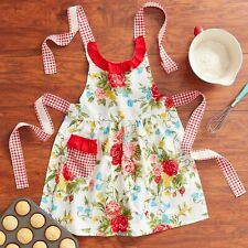 New listing Pioneer Woman Apron In Sweet Rose Design With Pocket 100% Cotton Hard To Find