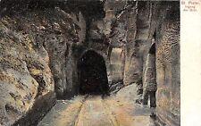 B92521 st pieter ingang der grot belgium