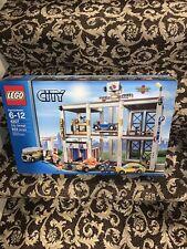 Lego City Garage Set 4207 NIB