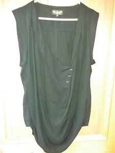 Angel Eye brand black top excellent condition size Small 100% viscose