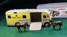 DINKY TOYS №979 NEWMARKET RACEHORSE TRANSPORT MAUDSLAY HORSEBOX RARE c/w BOX