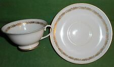 8 FRANCISCAN ARCADIA GOLD CUPS AND SAUCERS  MINT CND