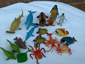 bundle of marine life / fish / sea creatures toy figures